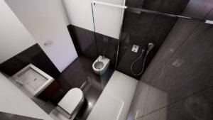 Lucenti bathroom